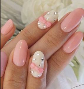 oval shaped acrylic nails